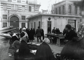 Banchi di frutta e verdura al mercato di Piazza Ponterosso di Trieste