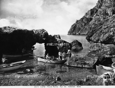 Fishermen on the beach of the Marina Piccola, Capri