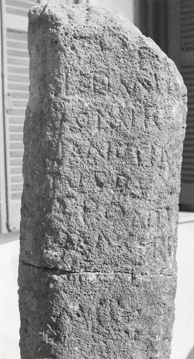 Milestone. ? Mile C[VI] . Aurelian.