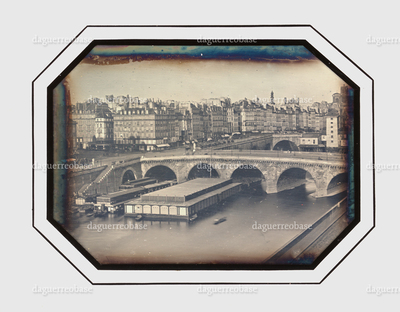 City scenery, bridges crossing the river (Paris, Seine)