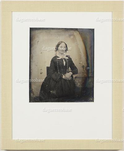 The woman resembles Regine Catharina Hagen (born Krum): NTNU-UB-F-EFT-119