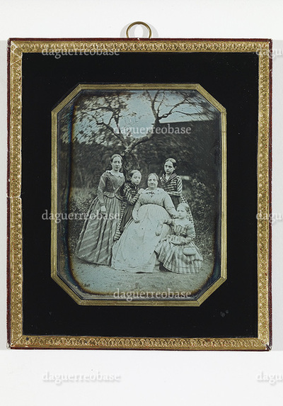 Portrait of Johanna Fredrika Ottelin with her daughters Minette, Agnes, Aline and Ida