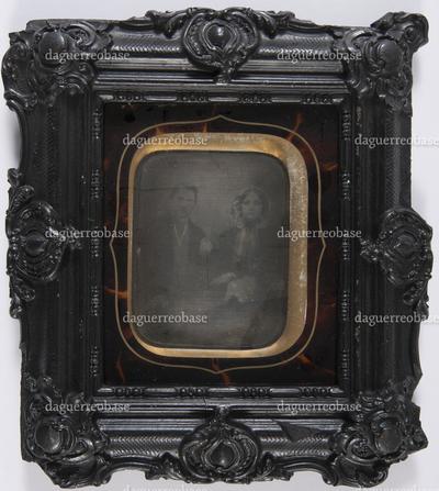 Dubbelportret van man en vrouw, frontaal, zittend, driekwart