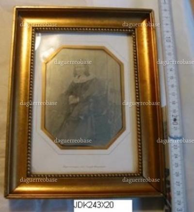 Daguerreotypi i passepartout og forgyldt træramme, portræt af Pouline Friedlænder f. Bloch. På bagsiden stemplet: J. C. Marx Eftf. glarmester Rammefabrik