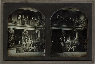 Gilly (VD), autoportrait de Jean-Gabriel Eynard en compagnie de membres de sa famille et du personnel du domaine de Beaulieu. On reconnaît sa belle-fille Sophie et sa petite-fille Hilda avec son fiancé Aloys Diodati