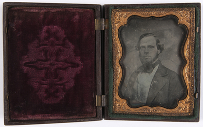 portret van een man, frontaal, buste