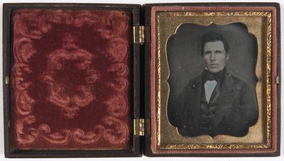 portret van een man, frontaal, buste, ingekleurd