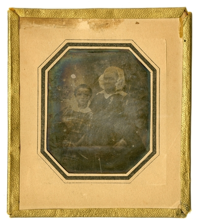 Photographer identification is based on his use of materials as in his signed daguerreotype FAU023