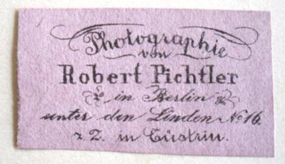 Lt. Wilhelm Dost (unter Mitarbeit von Erich Stenger), Die Daguerreotypie in Berlin 1839-1860, Berlin 1922, S. 111, ist Pichtler erstmals 1858 dort nachweisbar. Der Zusatz z.Z. in Cüstrin weist darauf hin, dass Pichtlier auch als Wanderfotograf tätig war.