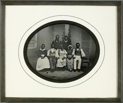 Portrait de groupe, domestiques de la famille Eynard