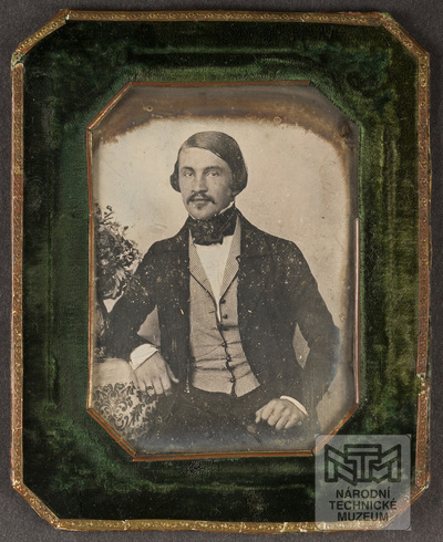 Portrait of unknown man.