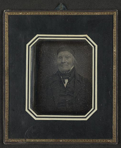 Portrett av en eldre mann med nedsunkne, lukkede øyner (grunnet blindhet?).  Portrait of an elderly man with his eyes sunken and closed (due to blindness?).