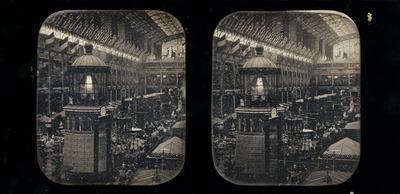 Dimensions (tout): 6,6 x 5,6 cm (chacune) Fixé sous verre noir : 8,5 x 17,1 cm