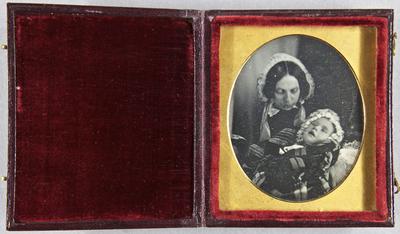 Die Aufnahme entstand mit 1951/4c. Zum Nachlass der Familie Avé Lattement sind weitere Daguerreotypie vorhanden. Vgl. 1951/4a bis /4l.
