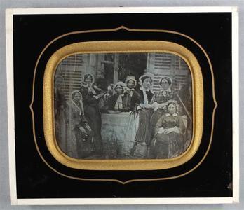France. Daguerréotype, 1/4 de plaque, 7 x 9 cm. Vue d'extérieur