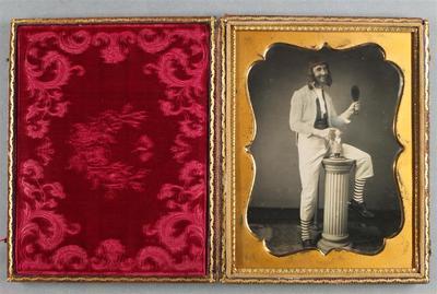 Etats-Unis. Daguerréotype, 1/2 de plaque, 12 x 9 cm.
