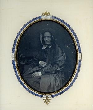 Crédits photographiques: Jean-Paul Matifat / Bibliographie: Eclats de photographies, Catalogue de l'exposition, Musée de Lagny, 2012