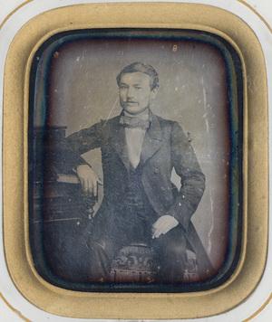 Image 9 x 7 cm; Cadre 23,4 x 20,5 cm; Fenêtre 14 x 11 cm