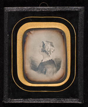 Portrait of a woman. Daguerreotype of a drawing or print (lithography?).