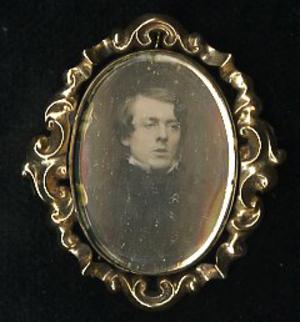 Daguerreotype brooch
