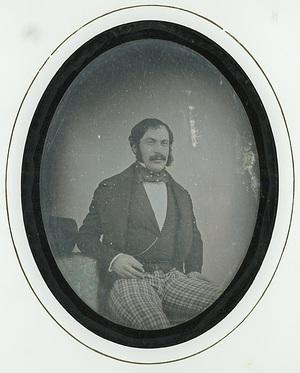 Image 9 x 7 cm; Support 15 x 17,7 cm; Fenêtre 10 x 8 cm