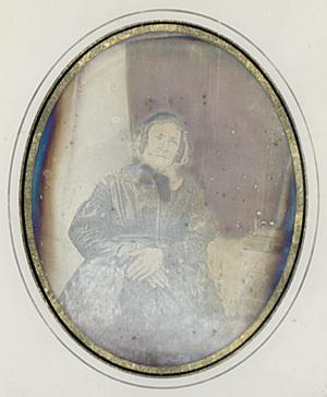 Image 9 x 7 cm; Cadre 22,5 x 20,5 cm; Fenêtre 14 x 11,5 cm