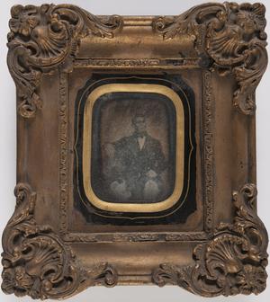 portret van een man, zittend, frontaal