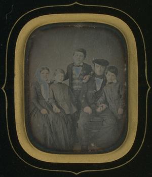Cadre 23,5 x 21 cm; Fenêtre 9,2 x 6,8 cm