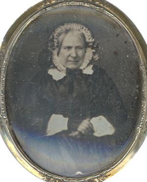 Image 4,7 x 4 cm; Cadre 5,2 x 4,5 cm; Fenêtre 4,7 x 4 cm