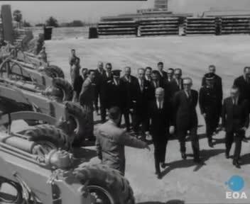 Παράδοση βαρέων μηχανημάτων σε Νομαρχίες από τον Αντιπρόεδρο της Κυβέρνησης Στυλιανό Παττακό στην Αποθήκη Τεχνικού Εξωραϊσμού Δήμων και Κοινοτήτων στους Αγίους Αναργύρους