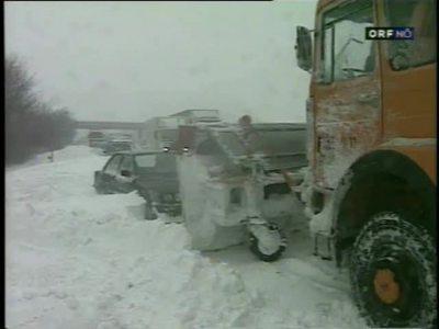 ZIB 22.00 / Reportage Schnee Chaos Südautobahn