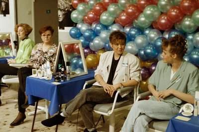 SERVICE SALON (18-3-1991)