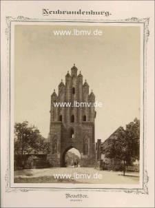 Neubrandenburg, Neues Tor (Außenseite)