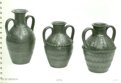 Kétfülű mohácsi váza