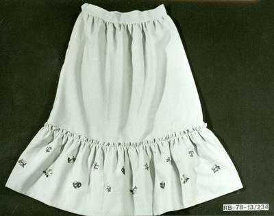21. modell Lineszter hímzett női szoknya