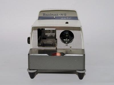 Braun Paximat-N12 auto diavetítő