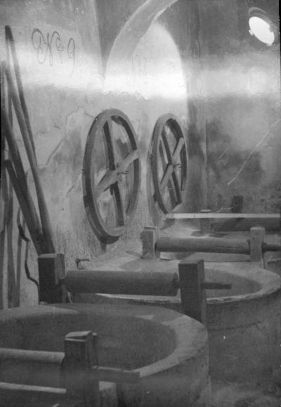 Fotó, pápai Kékfestő Múzeum küpa szobája
