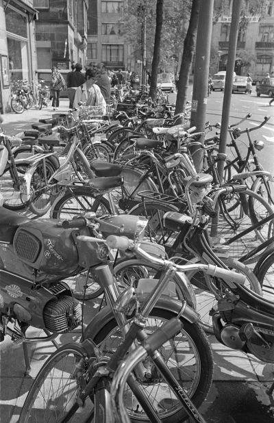 Kerékpárok, motorkerékpárok