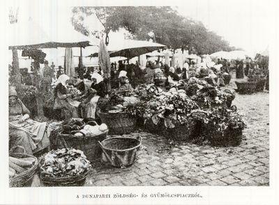 Piac a Dunaparton Budapest 1906.