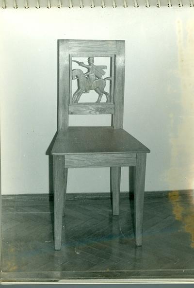 Faragott szék /huszár lovon/
