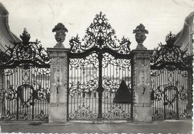 Az Esterházy-kastély bejárata, Fertőd