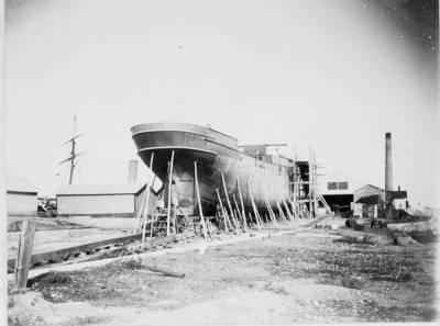 Construcció d'un vapor no identificat , de la Cia Trasatlantica