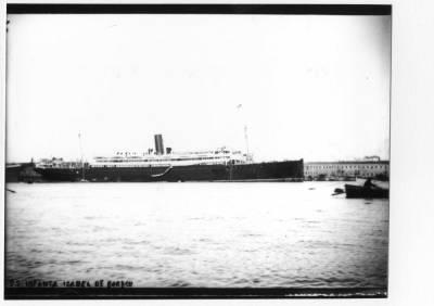 Vapor INFANTA ISABEL DE BORBON , de la Cia Trasatlantica ,  vist per la banda d'estribord , al port de Barcelona