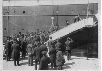 Visita del rei Alfonso XIII al vapor REINA VICTORIA EUGENIA de la Cia Trasatlantica .
