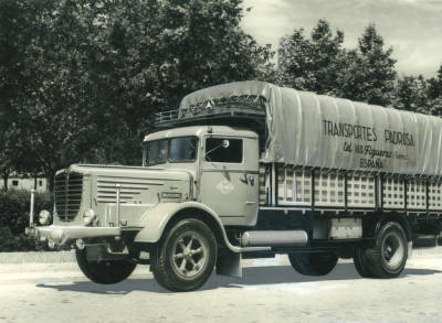 Camió de l'empresa Padrosa amb matrícula M-5901