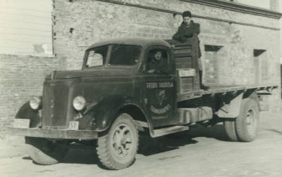 Camió de l'empresa Padrosa amb matrícula GE-6700