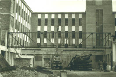 Grua Padrosa a la construcció de La Residència de Girona