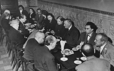 Aperitiu dels membres del jurat de la IV edició del Concurs Maria Canals