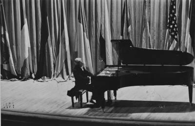Vlado Perlemuter durant el concert inaugural de la III edició del Concurs Maria Canals al Palau de la Música Catalana