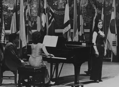 La cantant Marilena Marinescu, durant la prova final de la XIX edició del Concurs Maria Canals, al Palau de la Música Catalana.